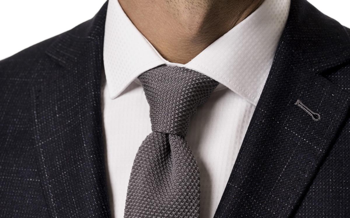 Prečo je pletená kravata dobrý nápad   db28007cee